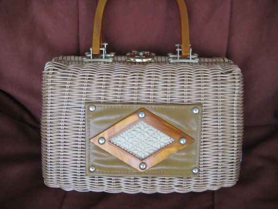 VTG Wicker Bag with Leather & Lucite Design