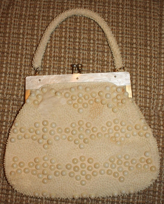 Classic VTG Bead Bag with Lucite Trim