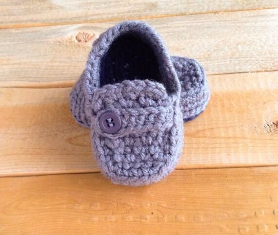 Gris au Crochet bébé mocassins w / boutons, faite aux chaussures de bateau personnalisables, ordre, printemps été automne hiver,