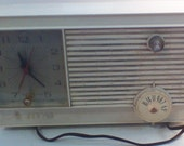 Vintage Tube Clock Radio Zenith AM