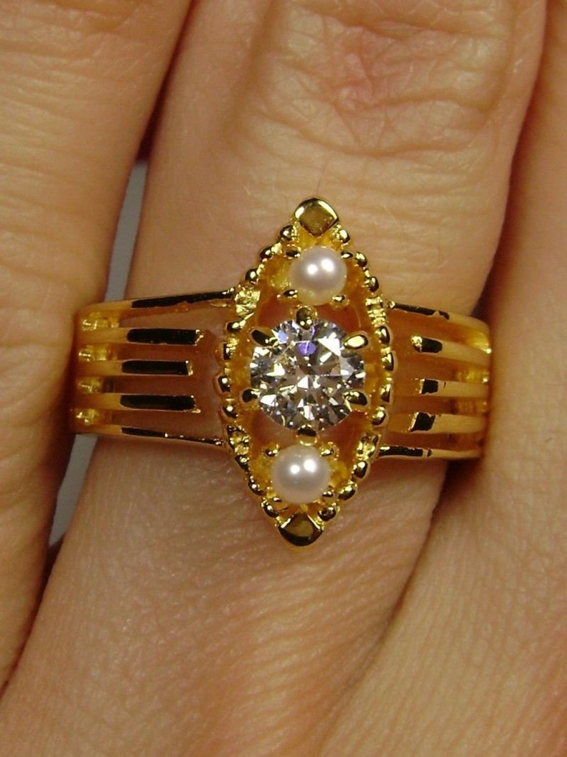 Design#151 Cubic Zirconia and Pearl Sterling Silver /& Yellow Gold Plated Victorian Filigree Ring Size 9
