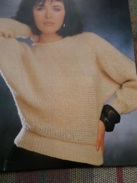 Knitting Pattern Women Ladies Jumper Sweater DK 32-40  5ab5c3ed4
