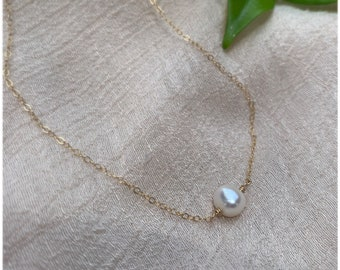 Single Pearl Necklace • White Pearl Choker • Baby Pearl Gold Necklace • Dainty Pearl Necklace • Simple Goldfilled Choker • Gifts for her •