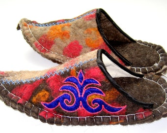 Felted slippers(2)