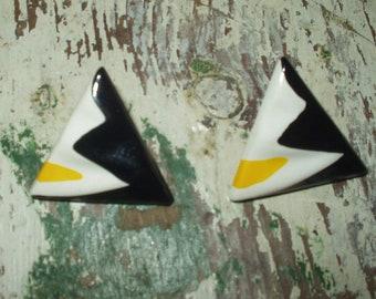 Vintage 80s Memphis Modernist Style Pierced Earrings triangle
