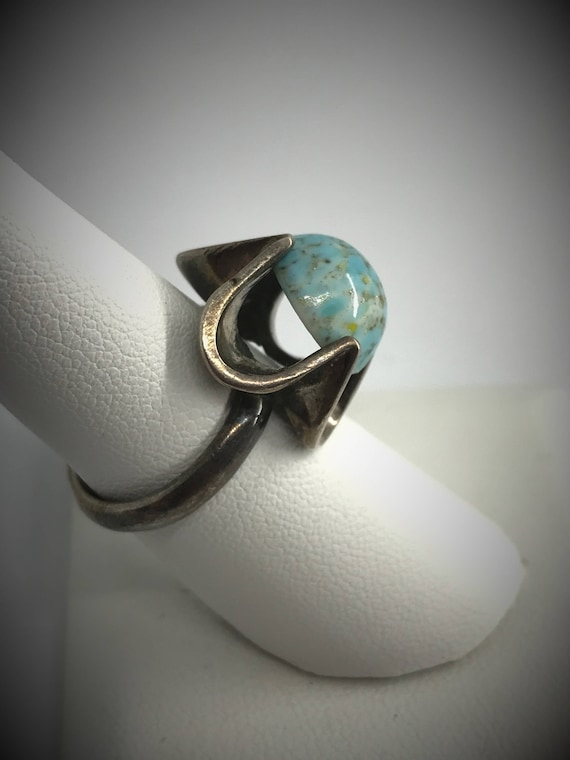 Unique Vintage High Scalloped Setting Sterling Silver Statement Ring w Robin/'s Egg Blue Speckled Glass High Domed Cabochon Stone Amazing!