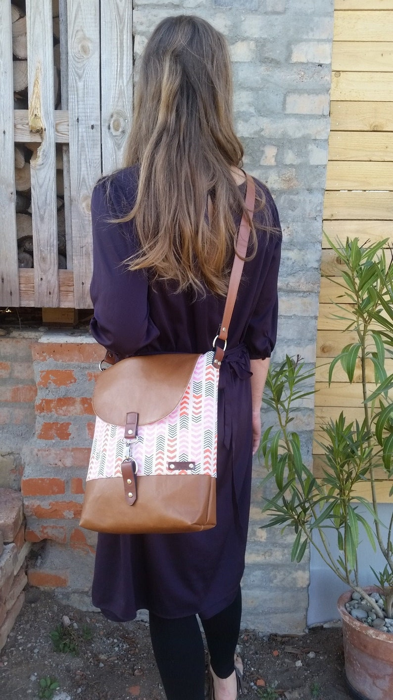 Mother's day gift pink arrow bag brown vegan leather image 0