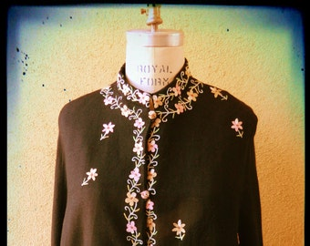 Free Shipping, Vintage 1970's Crewel Embroidered Cape, Free Size