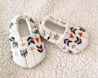 Baby Booties Multi arrow design ( Arrow prints varies), Crib shoes, Baby Gift