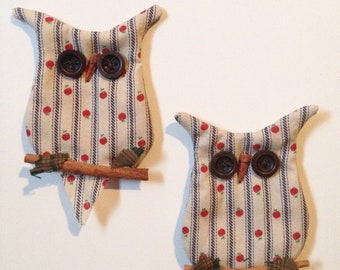 """owl decor, kitchen magnet, country Americana apple decor theme, beige blue stripes red apples, 5"""" size, twig cinnamon stick buttons, cute"""