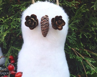 Woodland tree ornament~5 inch white owl~sits on grapevine branches~plush fabric with natural pine cones, princess pine~glittery accents