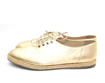 89867b2110bf0 Chaussures derbies espadrilles dorées à lacets ANNY  1980-90  38 EU