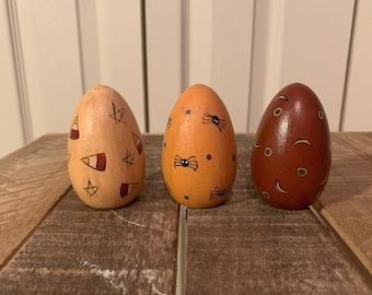 Rustic / Primitive Wooden Halloween Eggs - Decorative Halloween Eggs - Wood Eggs with Halloween Designs - Tiered Tray Halloween