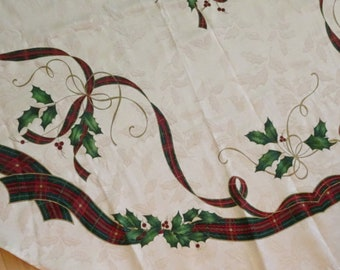 lenox christmas holiday nouveau tablecloth 58x 101 rectangle oblong christmas tartan red green gold plaid ribbon and holly tablecloth