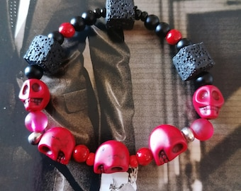 Original Bracelet !! SKULLAVE!! red with lava pearls and Howlite pearls T.18cm elasticThe Bad Rebel boho chic collection