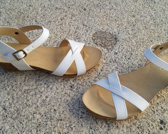 ree Shipping, vegan Sandals, foodbet sandals, Summer Shoes, , Straps Sandals  vegan  Model AQUITANIA, color white