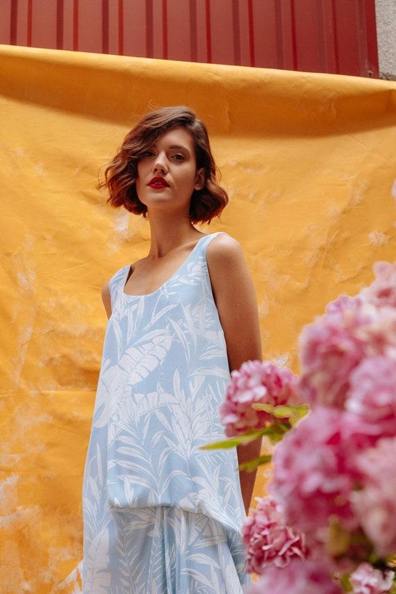 2663ab006cab Woman s elegant flower dress   long summer light printed