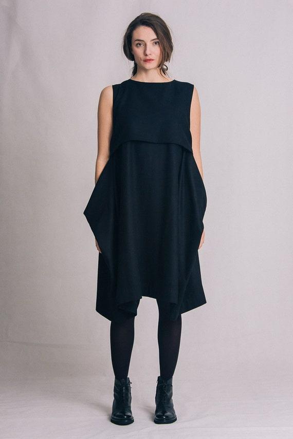 Tunica Plissettata e elegante abito nero elegante piccolo collo Taglia 42 ITALY STYLE
