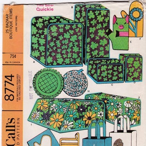Kitchen and Household Craft Patterns Pot Holders Appliance Covers Oven Mitts Storage Bags Bun /& Tea Cozy McCall/'s Sewing Pattern 8774  Uncut