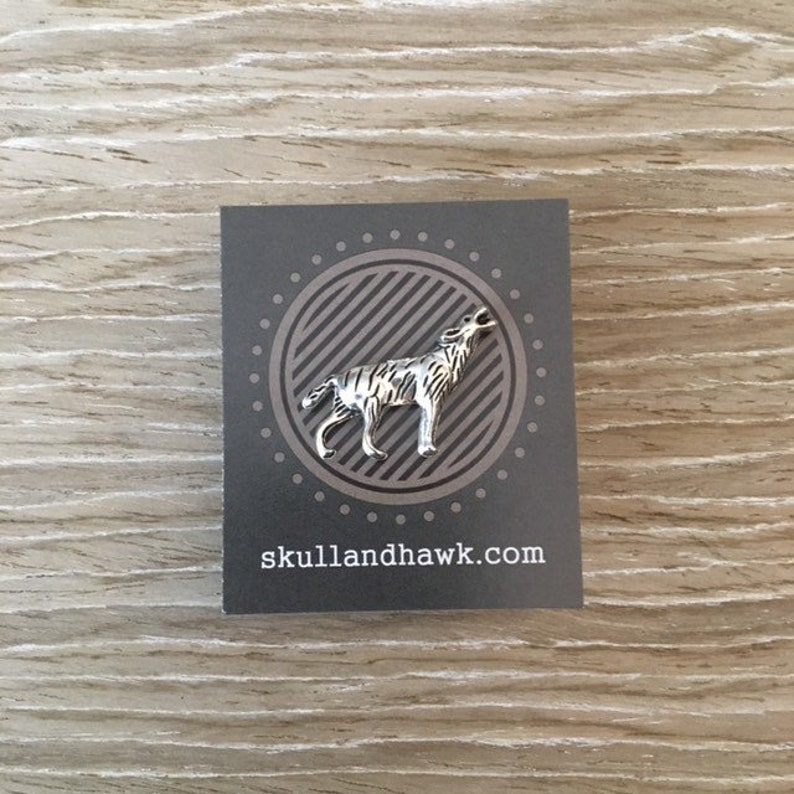 b35ed560599f Howling Wolf Lapel Pin / Tie Tack Silver Tone   Etsy
