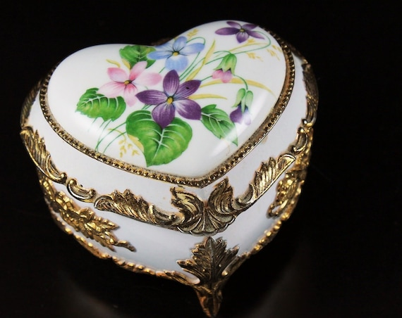 Mele Music Box, Heart Shaped, Japan, Pink Lining, Floral Top, Gold Trimmed
