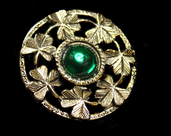 Round Shamrock Brooch, Gold Tone,  Green Glass Center Stone, Locking C Clasp, Fashion Pin, Costume Jewelry, Collectible