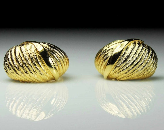 Clip-On Earrings, Goldtone, Costume Jewelry, Unsigned, Fashion Jewelry, Woman's Gift
