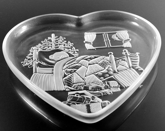Mikasa Holiday Platter, Christmas Dream, Heart Shaped, Frosted Glass, Clear and Frosted Glass, 13 Inch