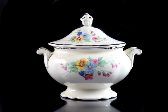Sugar Bowl, Homer Laughlin, Bouquet Pattern, Virginia Rose Shape, Floral Design, Discontinued