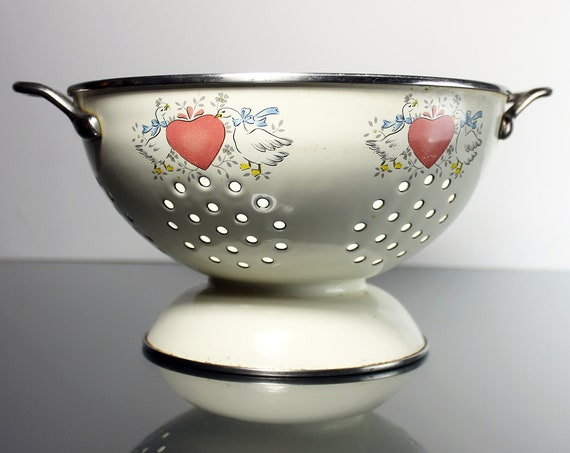 Pedestal Metal Colander, International, Marmalade, Geese and Heart, Enameled, 2 Quart
