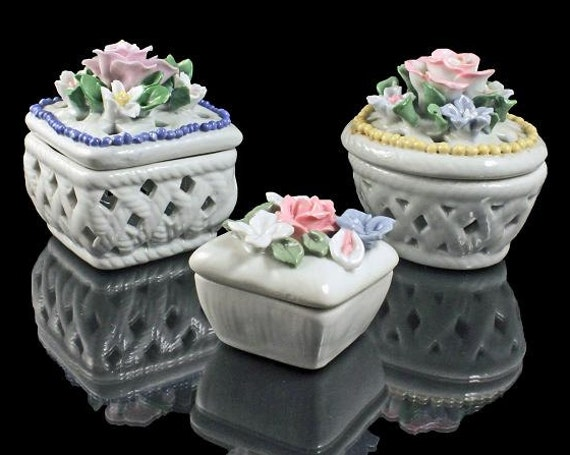 Trinket Boxes, Porcelain, Set of 3, White, Raised Flowers, Vanity Set, Jewelry Boxes, Different Sizes, Different Shapes