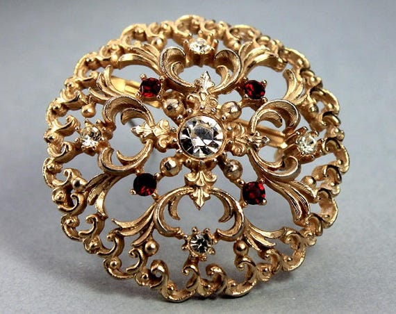 Round JJ Brooch, Jonette Jewelry, Clear Rhinestones, Red Rhinestones, Gold Tone, Locking C Clasp, Fashion Pin, Costume Jewelry, Collectible