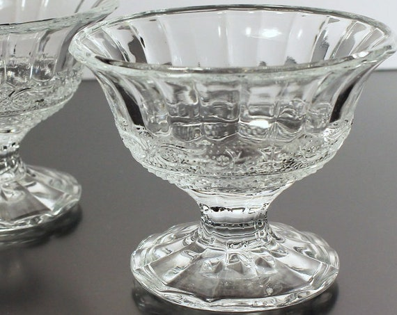 Sherbet Bowls, Footed Dessert Dishes, Ice Cream Bowls, Fruit Bowls, Set of 2, Depression Glass, Clear Glass