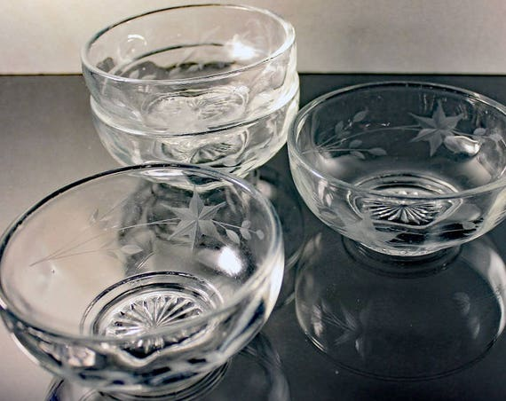 Etched Footed Dessert Bowls, Wheel Cut, Star Flower Pattern, Fruit Bowls, Set of 4, Depression Glass, Clear Glass
