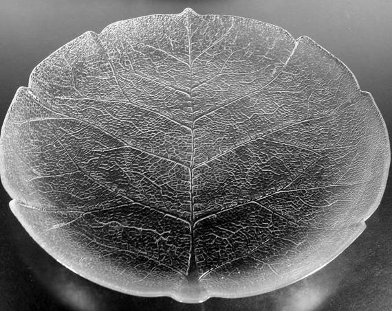Arcoroc Dinner Plate, Aspen, Leaf Pattern, Pressed Glass, Clear Glass, Platter, Tray