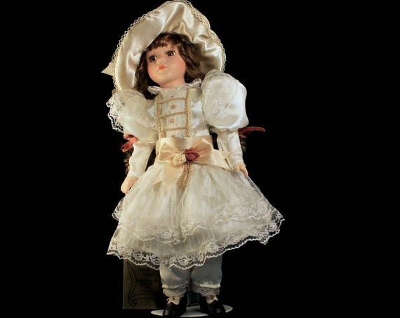 Porcelain Doll, Seymour Mann, Connoisseur Collection, Consuela, Victorian Doll, White Dress, Hand Painted, Tags Attached, 16 Inches