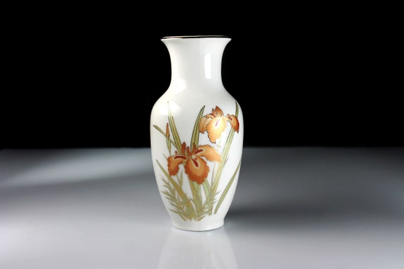 Table Vase, Fine China Japan, Iris Design, 6 Inch, Flower Vase