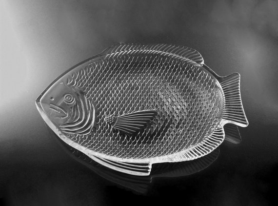 Fish Platter, Fish Shaped, Oven Proof, Made in USA, Clear Glass, Embossed