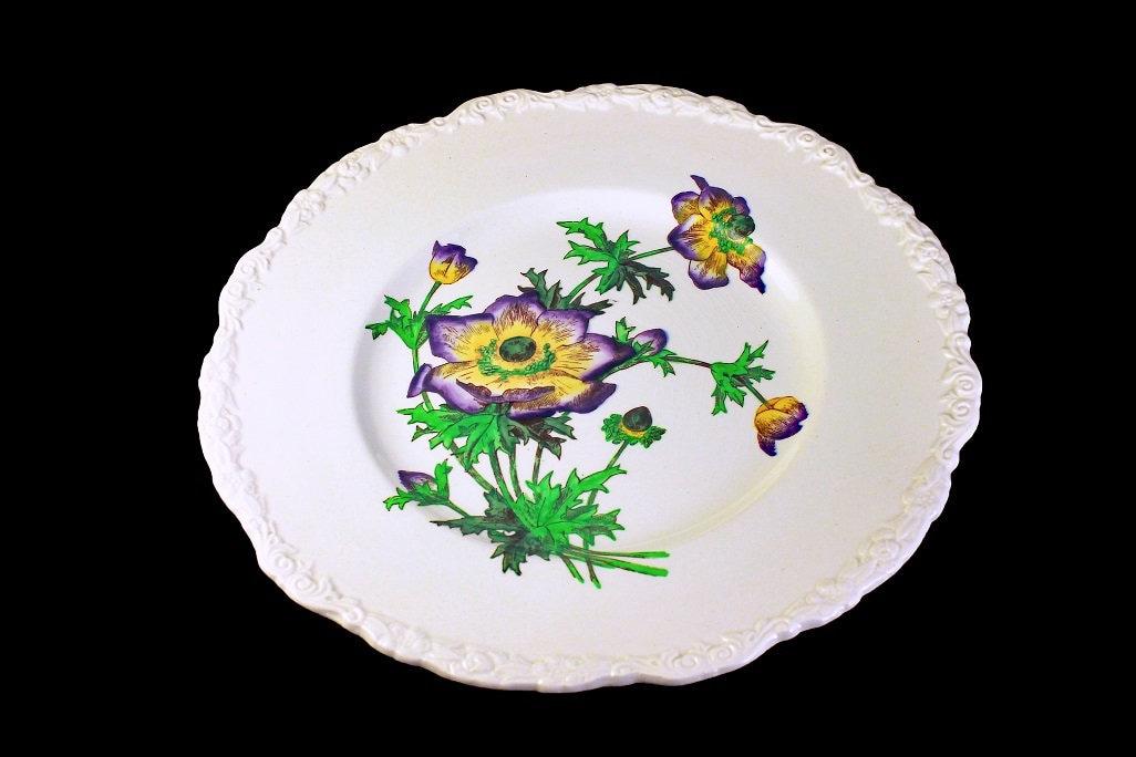 Floral Dinner Plates 1930s England Approximately 11 Diameter Set of Four: Cauldon England