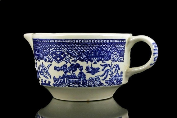 Creamer, Blue Willow Pattern, Royal USA, Blue and White, Round Handle