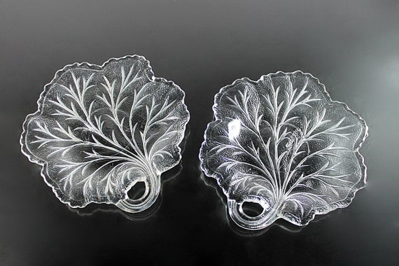 Bread and Butter Plates, Indiana Glass, Pebble Leaf, Roll Plates, Bun Plates, Clear Glass, Set of 2, Leaf Shaped