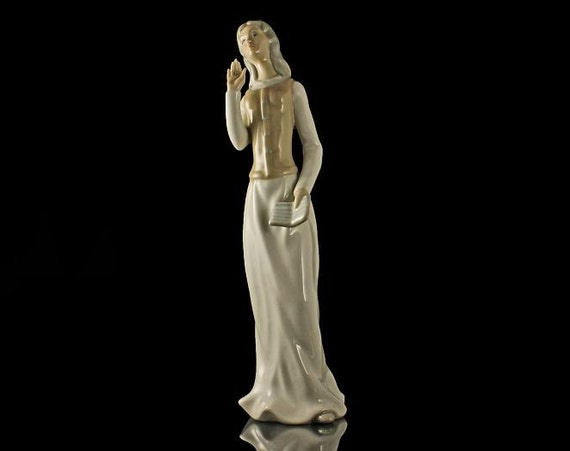 Tengra Porcelain Figurine, Lady With Book, Spanish Porcelain, Statue, Giftware, Art