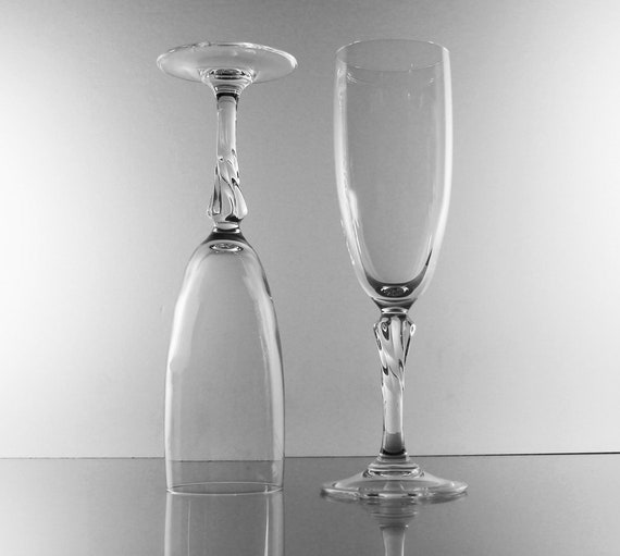 Crystal Champagne Flutes, Twisted Stem, Set of 2, Toasting Glasses,  Stemware, Barware, Wedding Glasses