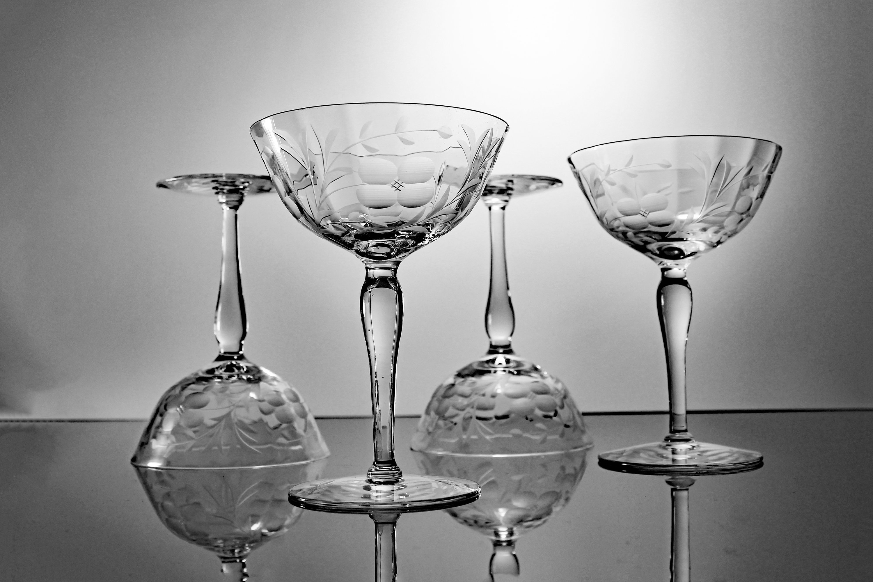 Wheel Cut Champagne Glasses Wine Glasses Coupe Optic Floral And Leaf Design Set Of 4 Barware
