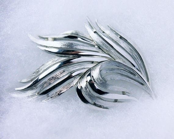 Trifari Silver Tone Brooch, Leaf Shape, Locking C Clasp, Fashion Pin, Costume Jewelry, Collectible, Signed