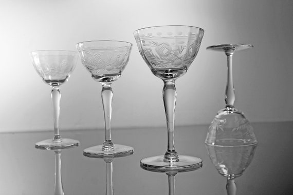 Etched Wine Glasses, Flower and Leaf Pattern, Set of 4, Stemware, Barware