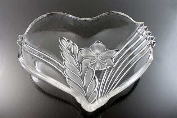 Mikasa Heart Bowl, Satin Orchid, Clear and Frosted Glass, Candy Dish, Trinket Dish, Valentine's Day, Giftware