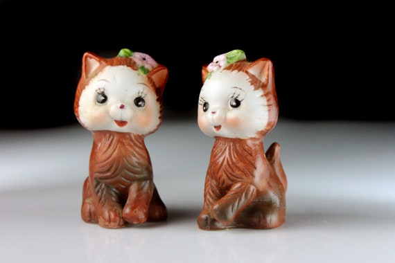 Cat Salt and Pepper Set, Bisque Porcelain, Shakers, Figural, Cat Shaped, Kitchen Decor, Collectible