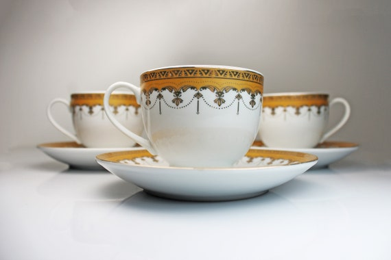 Cups and Saucers, Pegasus, Fine Porcelain, Made in China, White and Gold, Set of 4