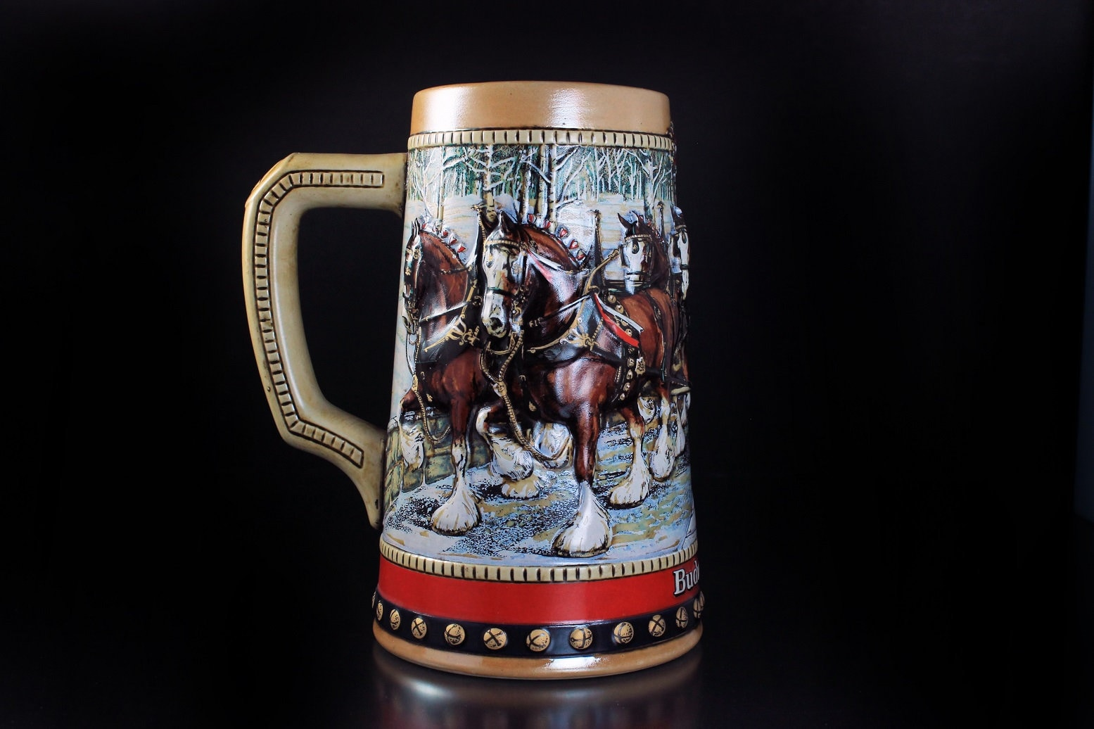 1988 Budweiser Holiday Beer Stein COBBLESTONE PASSAGE Clydesdale Christmas Mug